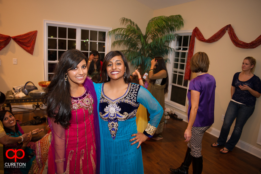 Mehndi Party What To Wear : What to wear an indian wedding fashion
