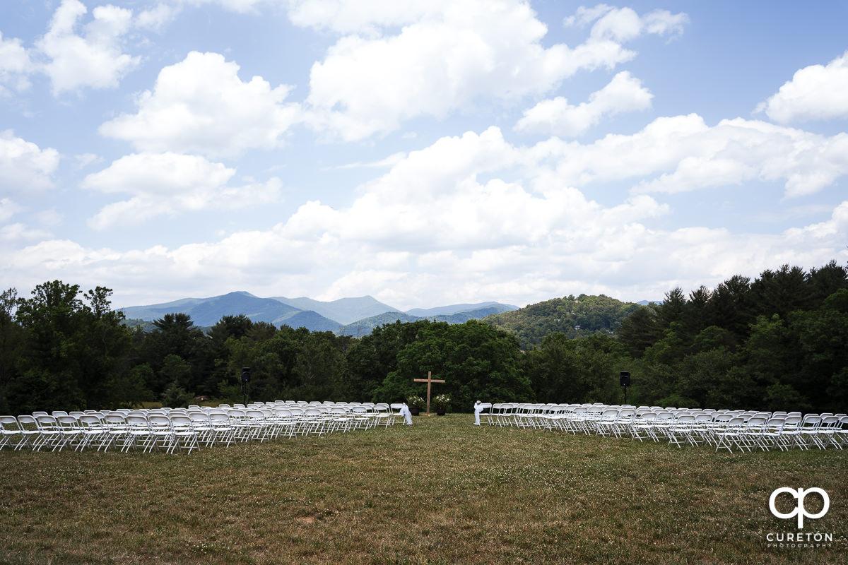 Asheville outdoor wedding ceremony.