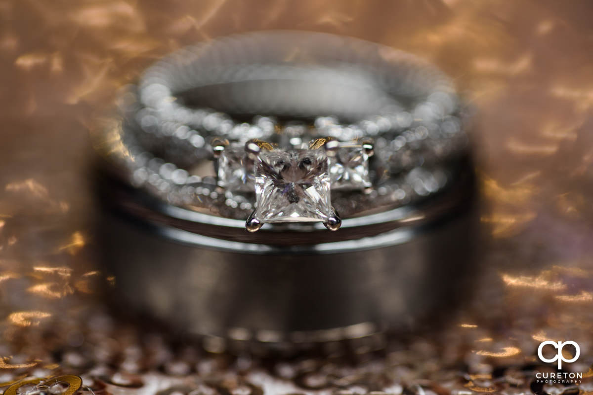 Closeup of the bride's ring.