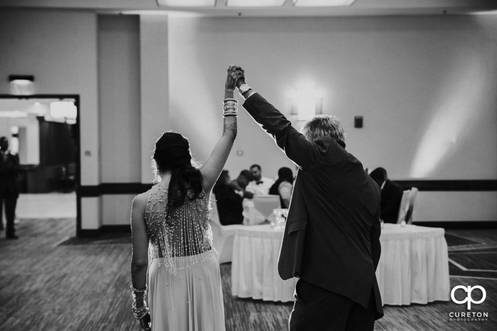 Bride and father dance.
