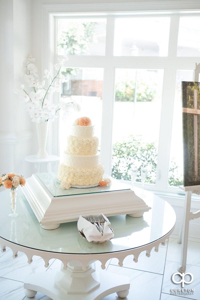 Wedding cake in the pavilion at Ryan Nicholas Inn.