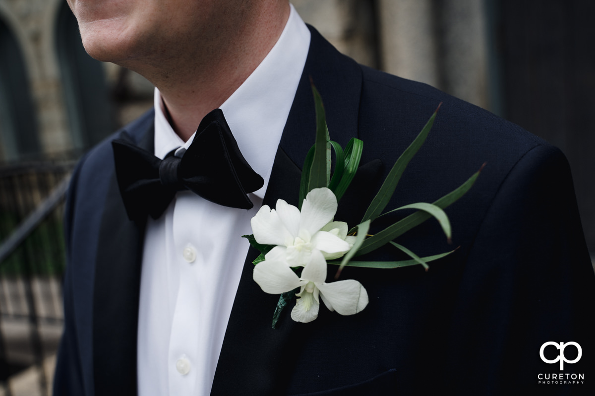 Groom's flower.