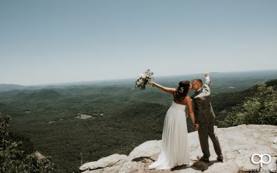 Summer wedding at Symmes Chapel (Pretty Place)