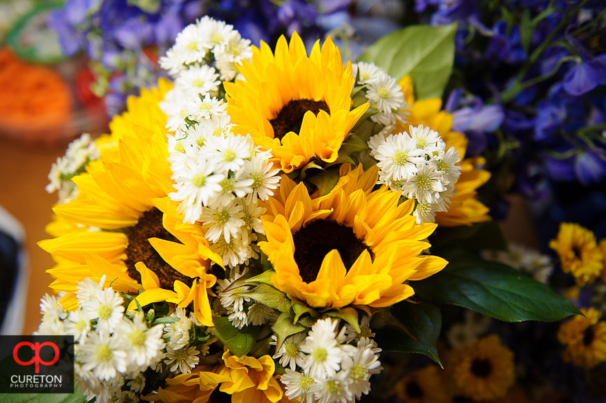 Sunflowers in the brides bouquet.