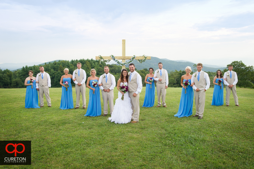 The entire wedding party outside at Grand Highlands.