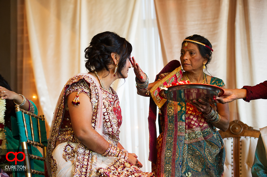 Bride and her mother during the Indian ceremony.