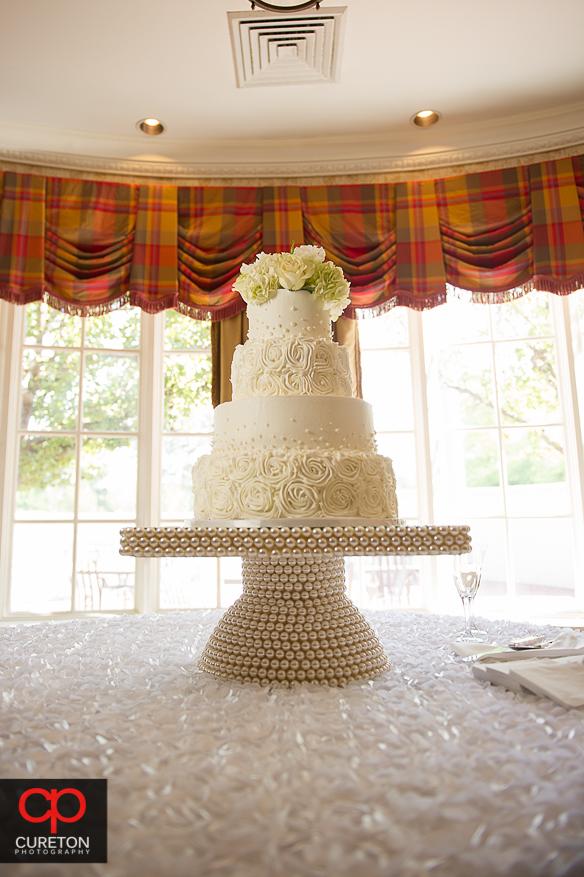 Beautiful wedding cake by Buttercream Bakehouse.