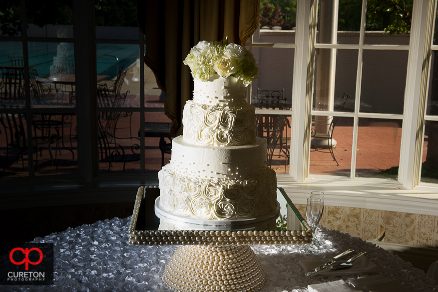Awesome wedding cake by Buttercream Bakehouse.