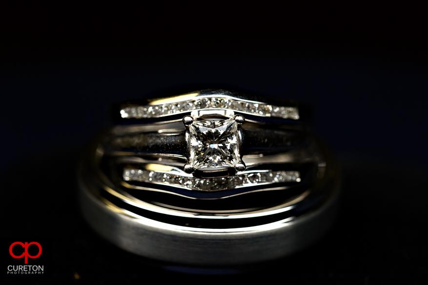 Close up macro shot of the wedding rings.