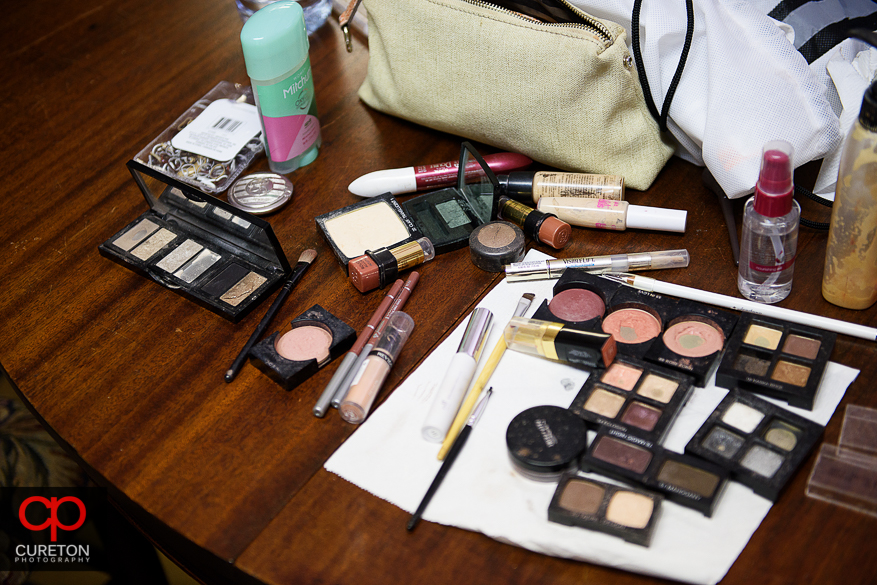 The makeup laid out on the table.