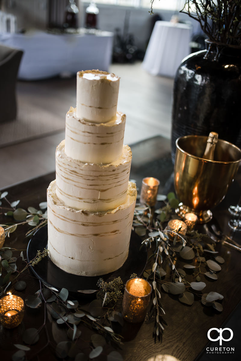 Wedding cake at Avenue.