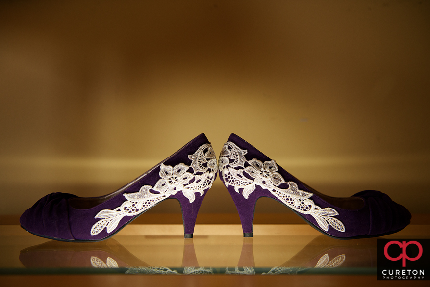 Uplit shoes of a bride.