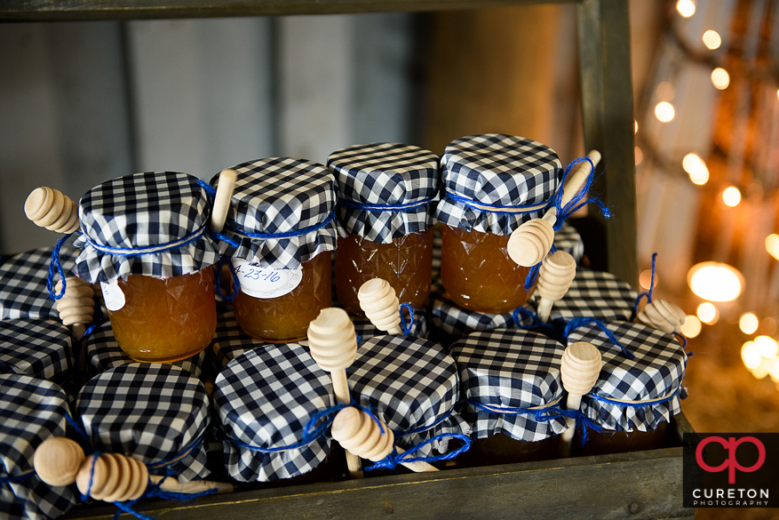 Honey wedding favors.