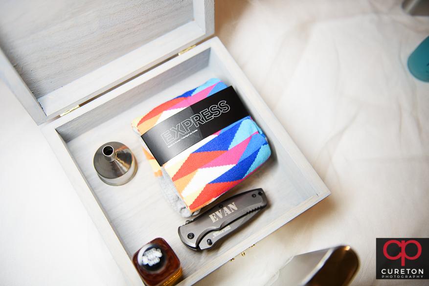 The groomsmen gift box.