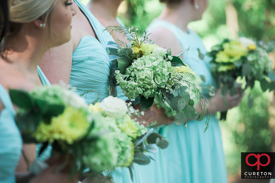 The bridesmaids flowers.