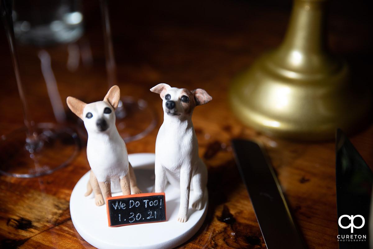 Dog cake topper.